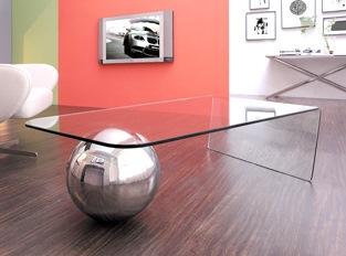 Design avec une brillance du métal et du verre