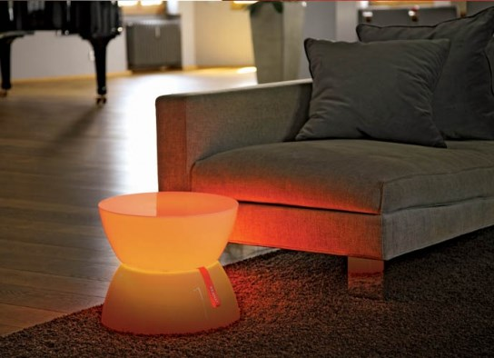 Table d'appoint lumineuse � LED pour une ambiance lounge