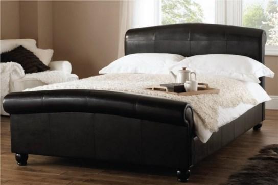 lit design vendu avec un sommier à lattes