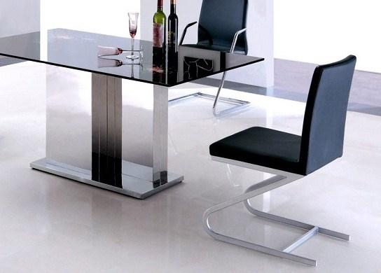 Chaise de salle � manger